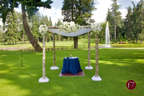 f7 Photography Christopher Flowers wedding Seattle ceremony chuppah Jewish white calla rose hydrangea birch
