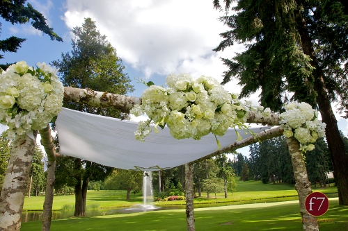 f7 Photography Christopher Flowers wedding Seattle ceremony birch chuppah Jewish white calla rose hydrangea