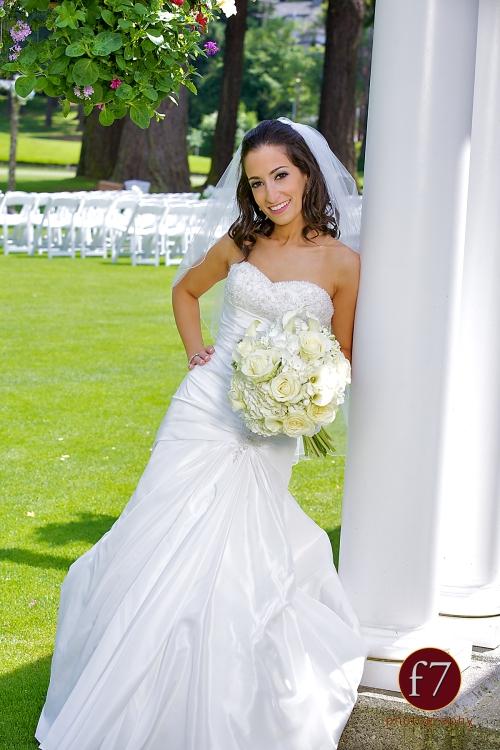 f7 Photography Christopher Flowers wedding Seattle bouquet white bride calla rose hydrangea