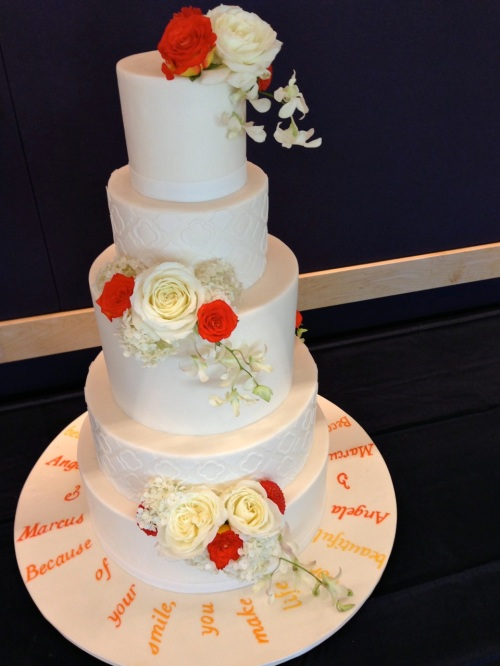 Christopher Flowers Seattle wedding white summer rose hydrangea orchid cake