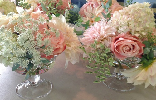 wedding seattle Christopher Flowers peach ivory dahlia garden rose local organic