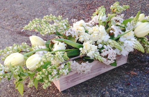 centerpiece christopher flowers white cream ivory green tulip lilac local organic wood natural garden