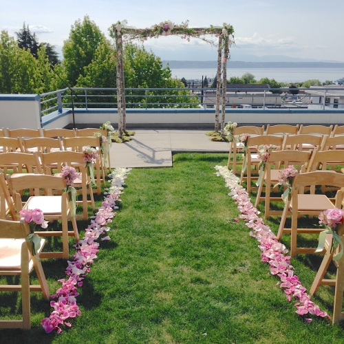 Christopher Flowers Seattle bouquet blush pink green ivory peony garden rose sweet pea local ceremony arbor petals ombre