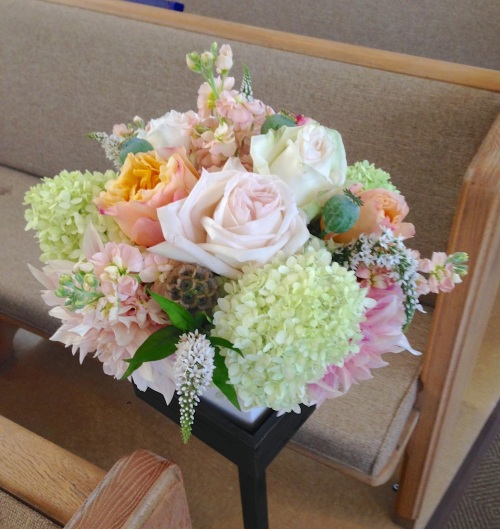 wedding ceremony aisle flowers soft peach cream dahlia garden rose hydrangea christopher flowers seattle